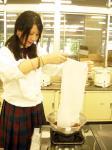 4 木綿を染めます